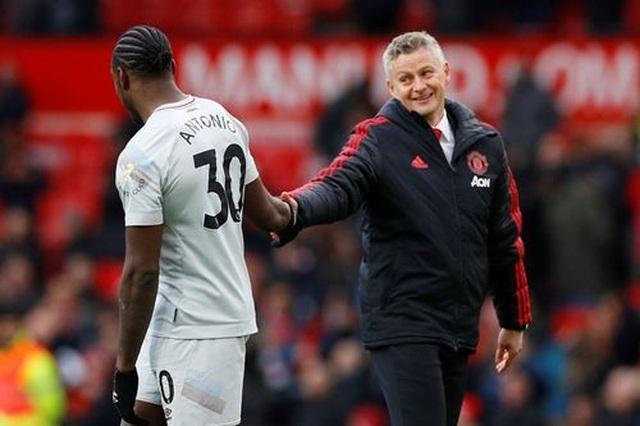 Nhìn lại trận thắng may mắn của Man Utd trước West Ham - 21