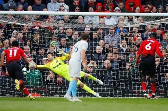 Nhìn lại trận thắng may mắn của Man Utd trước West Ham - 19