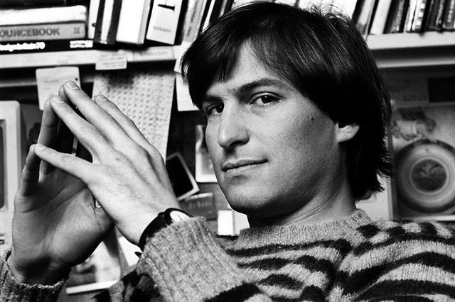 Steve Jobs chia thế giới thành 2 nửa: