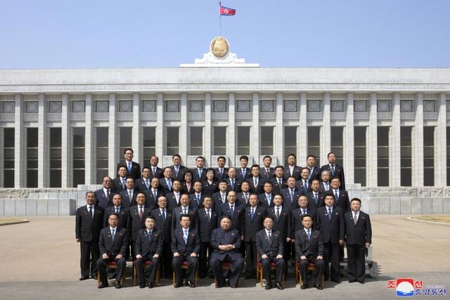 Hàng nghìn người Triều Tiên tuần hành chúc mừng Chủ tịch Kim Jong-un - 11