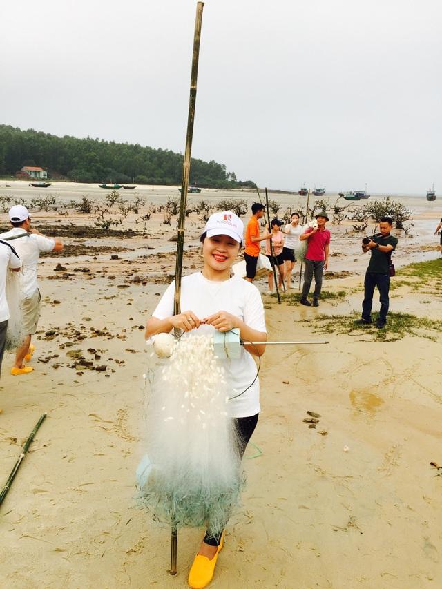 Một ngày làm ngư dân ở đảo Quan Lạn: Một mẻ lưới thu cả chục kg cá - 5