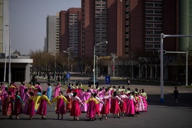 Hàng chục nghìn người Triều Tiên nô nức chào mừng Ngày Ánh Dương - 8