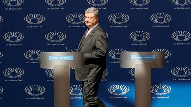 2 lần ông Poroshenko lẻ loi tranh luận vì ông Zelenskiy làm lơ - 2