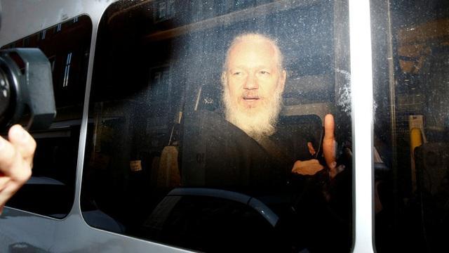 Luật sư tố Ecuador thêu dệt thông tin để Anh bắt ông chủ WikiLeaks - 1