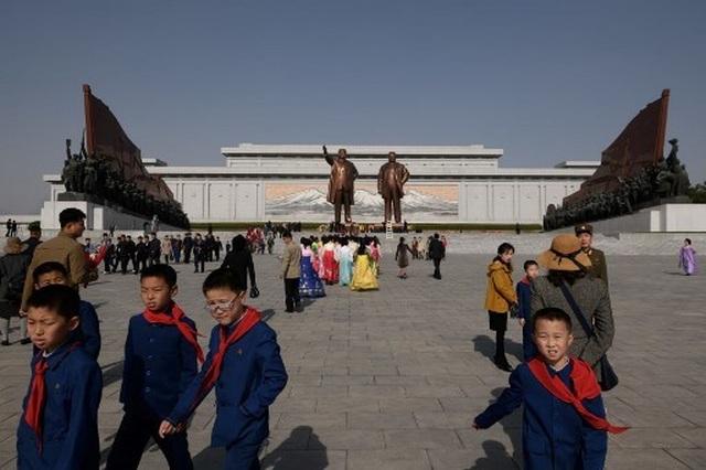 Hàng chục nghìn người Triều Tiên nô nức chào mừng Ngày Ánh Dương - 11