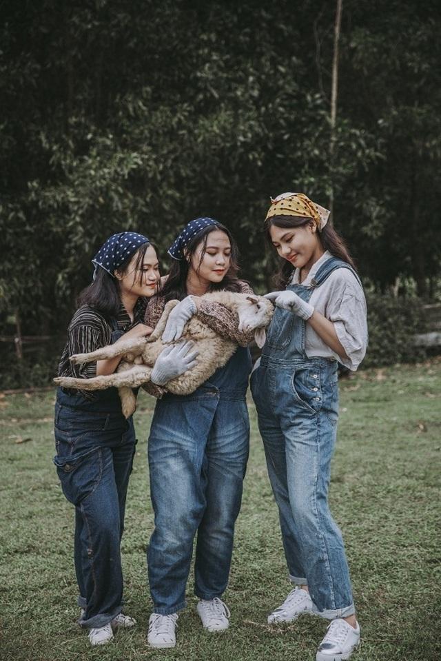 """Ảnh kỷ yếu """"nông trại vui vẻ"""" trên thảo nguyên của học sinh Nghệ An - 6"""