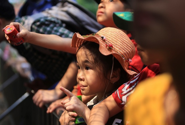 Vườn thú, công viên Hà Nội đông nghịt người trong ngày nghỉ lễ - 3