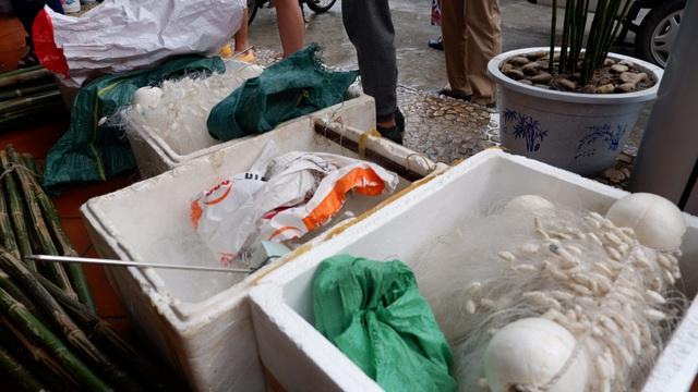 Một ngày làm ngư dân ở đảo Quan Lạn: Một mẻ lưới thu cả chục kg cá - 8