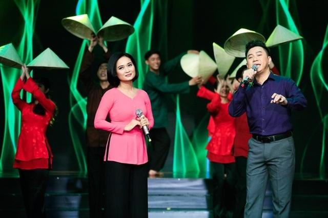 """Dàn sao Việt xúc động chia tay MC Quỳnh Hương tại """"Thay lời muốn nói"""" - 14"""