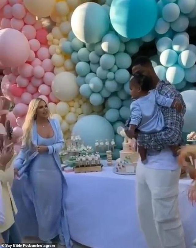 Khloe Kardashian mời bạn trai cũ dự sinh nhật con gái - 1