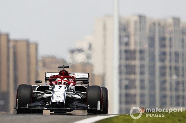 Hamilton thắng thuyết phục tại chặng đua F1 thứ 1000 - 1