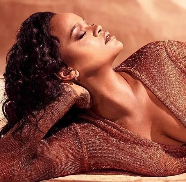 Rihanna tái xuất quyến rũ - 3