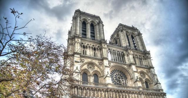 Nhà thờ Đức Bà Paris qua lời văn của đại văn hào Victor Hugo - 4