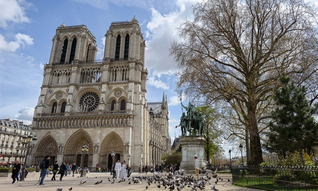 """Nhà thờ Đức Bà: Dấu ấn di sản gần 9 thế kỷ giữa """"trái tim"""" Paris - 6"""