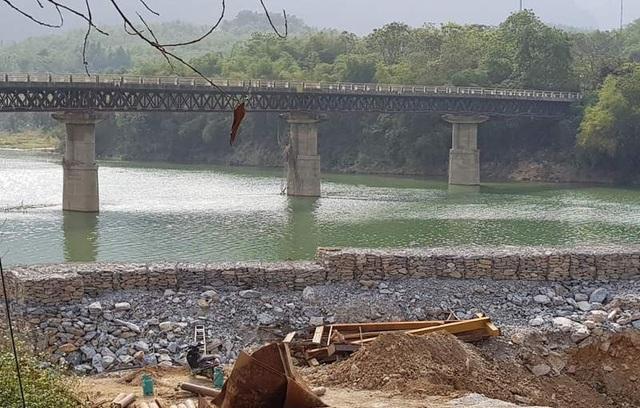 Đổ hàng nghìn khối đá xây kè lấn sông Mã làm nhà xưởng - 5