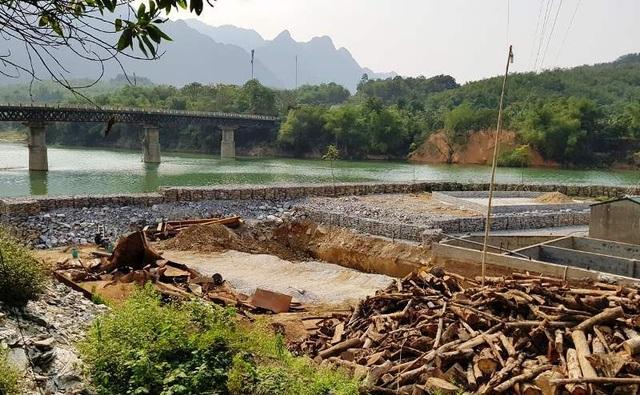 Đổ hàng nghìn khối đá xây kè lấn sông Mã làm nhà xưởng - 6