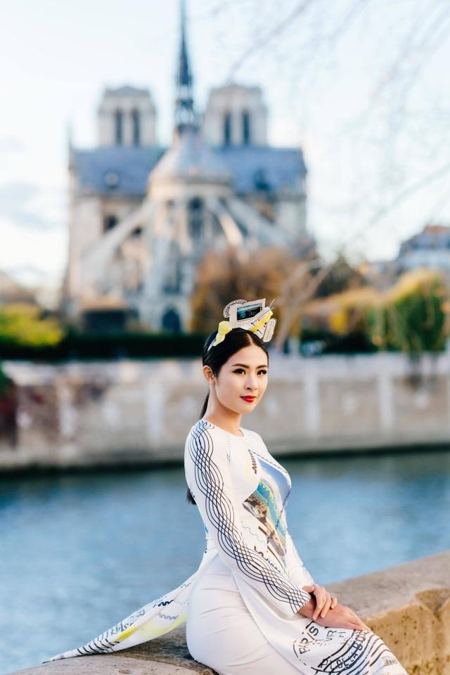 Hoa hậu Ngọc Hân, Phí Linh xót xa kể kí ức về Nhà thờ Đức Bà Paris - 2