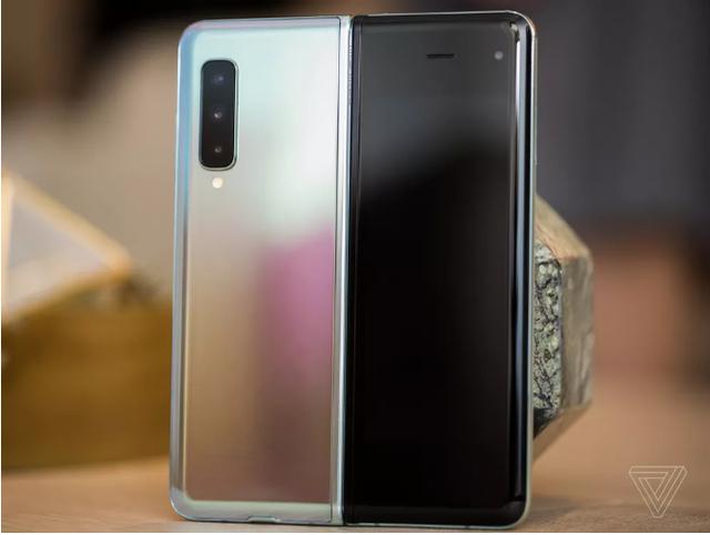 Trên tay Samsung Galaxy Fold: Nhiều hơn chỉ một ý tưởng - 8