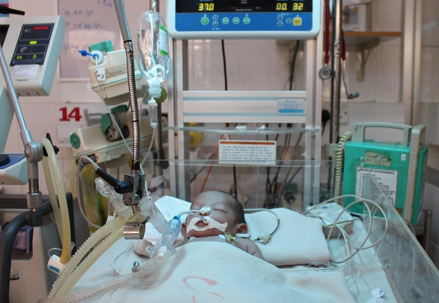 Xin hãy cứu bé trai kháu khỉnh vừa chào đời đã nguy kịch do nhiễm trùng uốn ván - 4