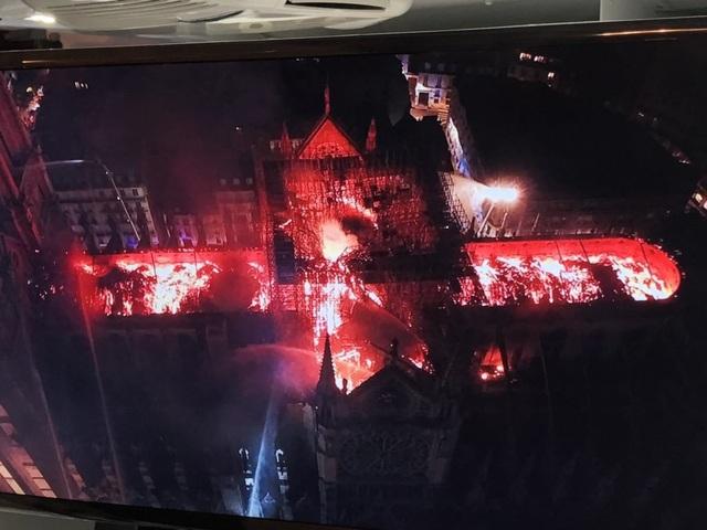 Những hình ảnh đầu tiên bên trong Nhà thờ Đức Bà Paris sau hỏa hoạn dữ dội - 13