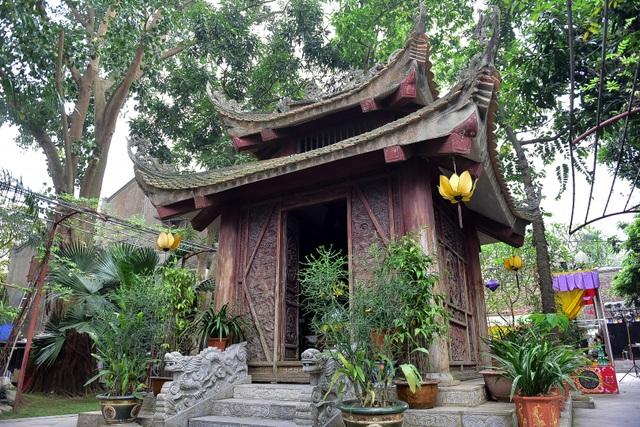 Tượng Phật từ đá quý nguyên khối trong ngôi chùa nghìn năm tuổi ở Hà Nội ảnh 3