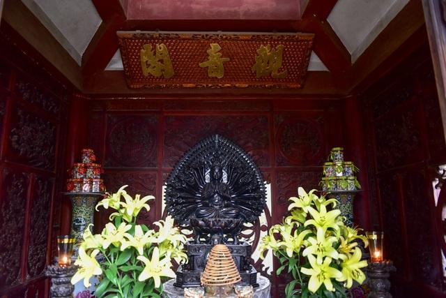 Tượng Phật từ đá quý nguyên khối trong ngôi chùa nghìn năm tuổi ở Hà Nội ảnh 8