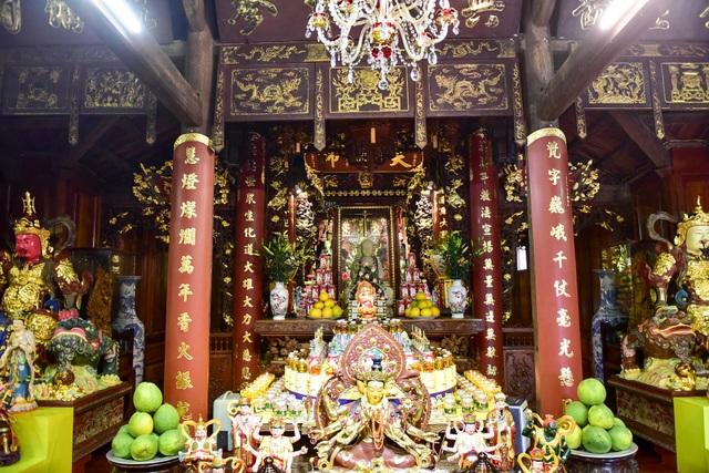 Tượng Phật từ đá quý nguyên khối trong ngôi chùa nghìn năm tuổi ở Hà Nội ảnh 6