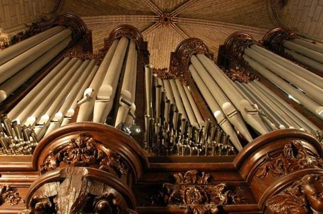"""Số phận những """"báu vật"""" trong Nhà thờ Đức Bà Paris sau hỏa hoạn - 4"""