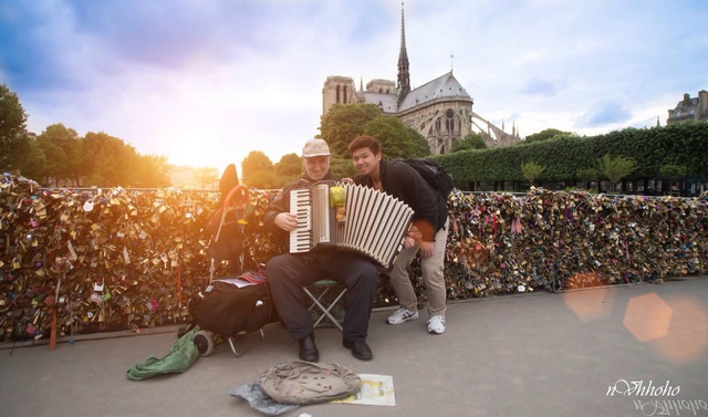 Du học sinh Việt tại Pháp: Bàng hoàng, xót xa khi Nhà thờ Đức Bà Paris bị cháy - 4