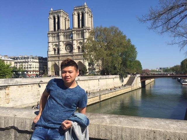 Du học sinh Việt tại Pháp: Bàng hoàng, xót xa khi Nhà thờ Đức Bà Paris bị cháy - 5