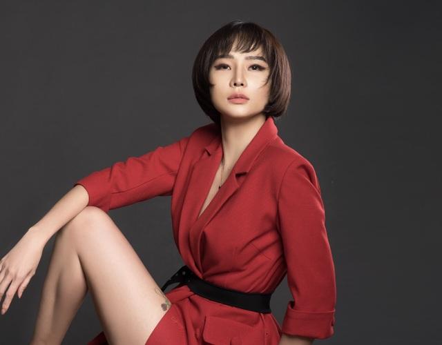 Chia tay bạn trai, Dương Yến Ngọc gợi cảm khoe ngực đầy tuổi 40 - 8
