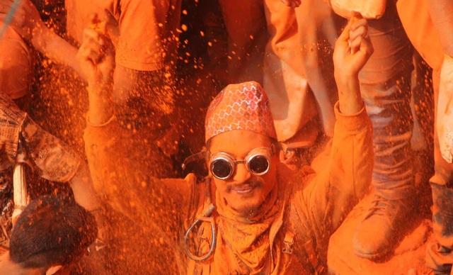 Bình minh đỏ: Lễ hội Sindoor Jatra ở Nepal - Ảnh minh hoạ 7