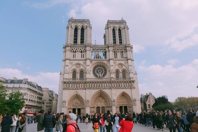 Du học sinh Việt tại Pháp: Bàng hoàng, xót xa khi Nhà thờ Đức Bà Paris bị cháy - 3