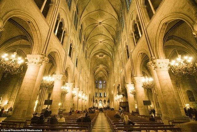 Vẻ đẹp tráng lệ của Nhà thờ Đức Bà Paris trước khi bị nhấn chìm trong biển lửa - 3