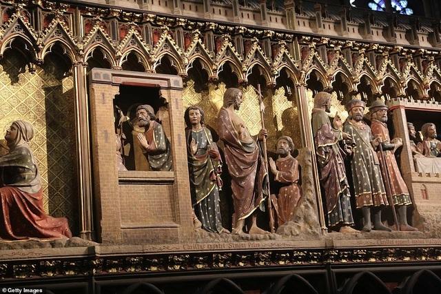 Vẻ đẹp tráng lệ của Nhà thờ Đức Bà Paris trước khi bị nhấn chìm trong biển lửa - 4