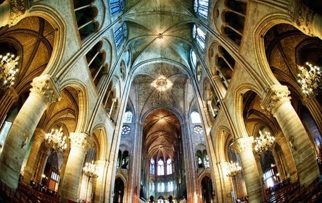 Vẻ đẹp tráng lệ của Nhà thờ Đức Bà Paris trước khi bị nhấn chìm trong biển lửa - 8