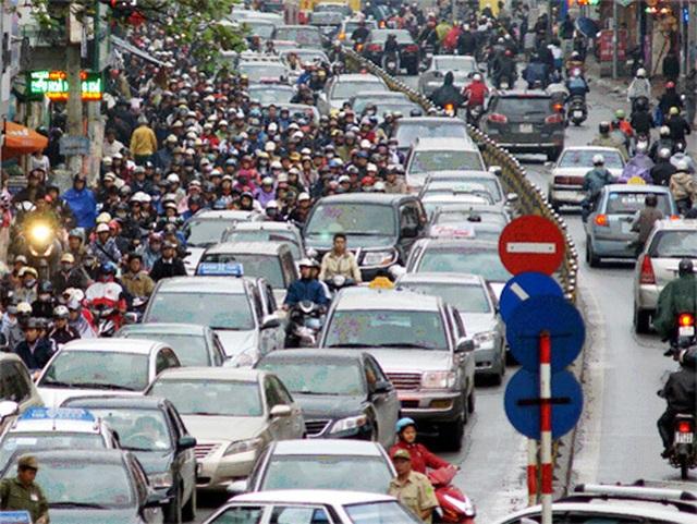 """Vì sao ô tô Việt """"dẫm chân"""" ở trình độ lắp ráp, giá cao? - 1"""
