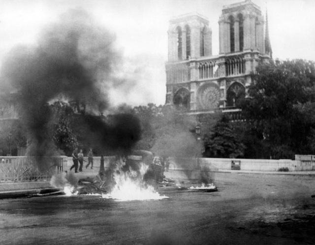 """Nhà thờ Đức Bà: Dấu ấn di sản gần 9 thế kỷ giữa """"trái tim"""" Paris - 5"""