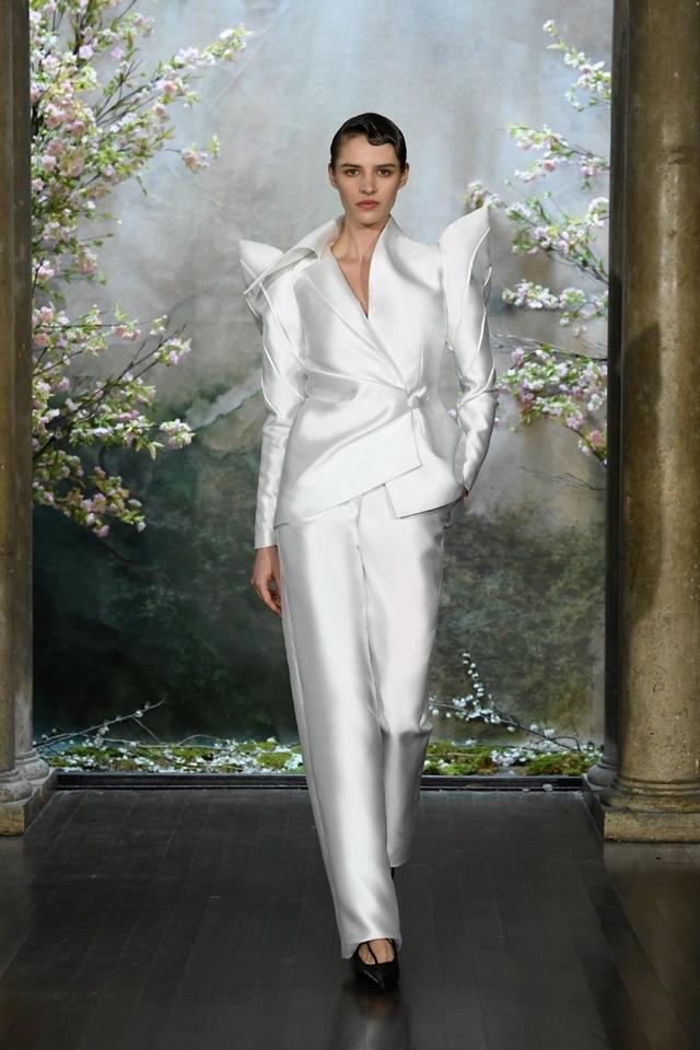 PHUONG MY với show diễn đầy cảm xúc tại New York Fashion Week Bridal - 7