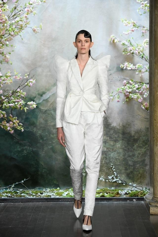 PHUONG MY với show diễn đầy cảm xúc tại New York Fashion Week Bridal - 11