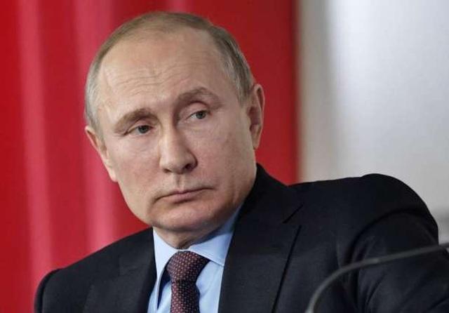 Ông Putin ngỏ lời giúp Pháp xây dựng lại Nhà thờ Đức Bà Paris - 1