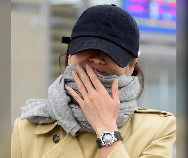Song Hye Kyo lại khiến fan đồn đoán vì không đeo nhẫn cưới - 15
