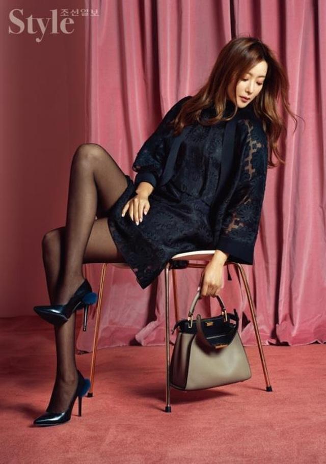 Gương mặt sưng phù của biểu tượng nhan sắc xứ Hàn Kim Hee Sun khiến fan hoang mang - 16