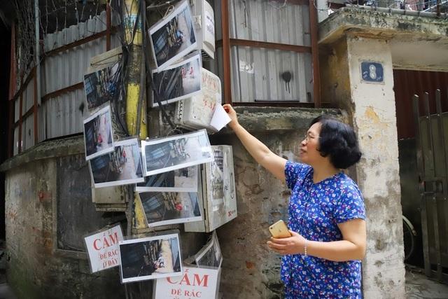 Chuyện lạ: Người đổ rác trộm bị treo ảnh, dán đầy trên cột điện ở Hà Nội - 2