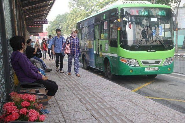 Hôm nay, TPHCM tăng giá vé xe buýt - 1