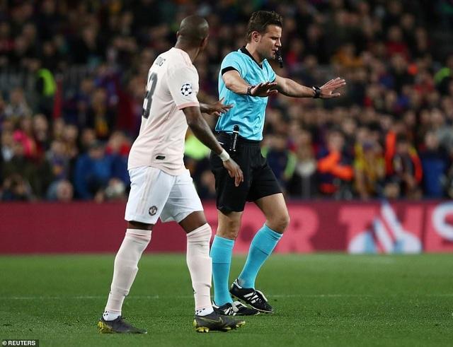 Những khoảnh khắc Messi khiến Man Utd tan vỡ giấc mơ Champions League - 5