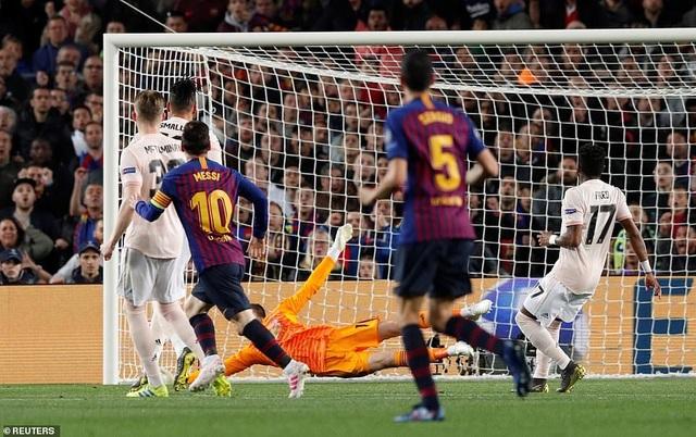 Những khoảnh khắc Messi khiến Man Utd tan vỡ giấc mơ Champions League - 8
