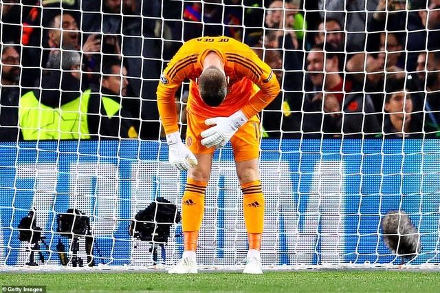 Những khoảnh khắc Messi khiến Man Utd tan vỡ giấc mơ Champions League - 6