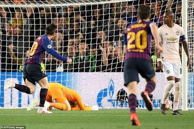 Những khoảnh khắc Messi khiến Man Utd tan vỡ giấc mơ Champions League - 12