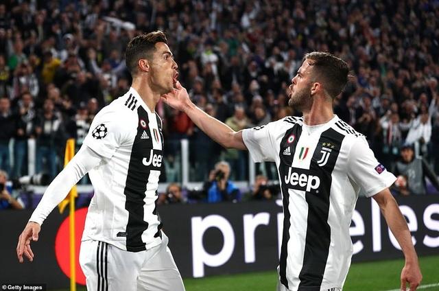 """Những khoảnh khắc Ajax """"đá văng"""" C.Ronaldo và Juventus khỏi Champions League - 2"""